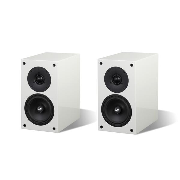 Полочная акустика ArslabПолочная акустика<br>Полочная акустика, 2 полосы, 2 динамика, сопротивление 6 Ом, чувствительность 87 дБ, частотный диапазон 50 Гц – 22 кГц, габариты 180 х 320 х 290 мм.<br>