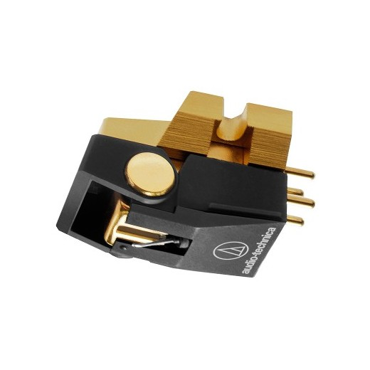 Головка звукоснимателя Audio-TechnicaГоловка звукоснимателя<br>ММ-звукосниматель с улучшенной магнитной системой, игла Shibata, иглодержатель из алюминия, диапазон 20 Гц – 25 кГц, выходное напряжение 4 мВ, прижимное усилие 1 – 1,8 г, динамическая податливость 10 х 10-6 см/дин, вес 8 г.<br>