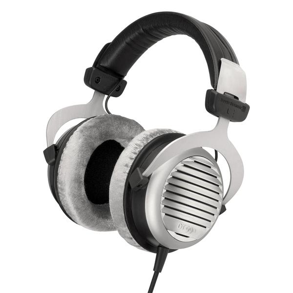 Охватывающие наушники Beyerdynamic - BeyerdynamicОхватывающие наушники<br>Hi-Fi наушники открытого типа, импеданс 250 Ом, частотный диапазон 5 Гц – 35 кГц, чувствительность 96 дБ, длина кабеля 3 м, вес 290 г.<br>