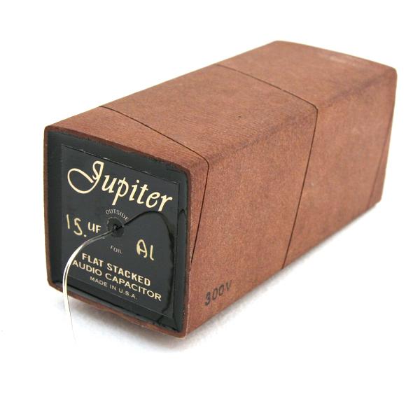 Конденсатор Jupiter CondenserКонденсатор<br>Напряжение, В: 300; Ёмкость, мкФ: 15; Выводы: из очищенного серебра 18 AWG; Размеры, мм: 115x50x50.<br>
