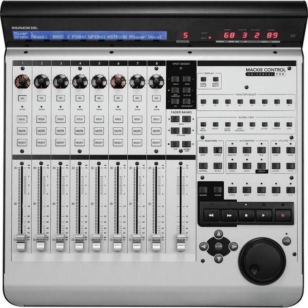 MIDI-контроллер Mackie