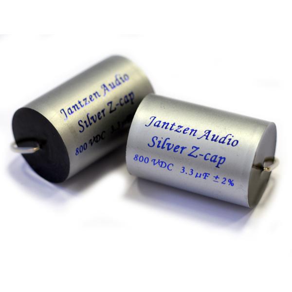 Конденсатор JantzenКонденсатор<br>Напряжение 800 В, ёмкость 0.82 мкФ, размеры 19 х 43 мм, вес 14 гр.<br>