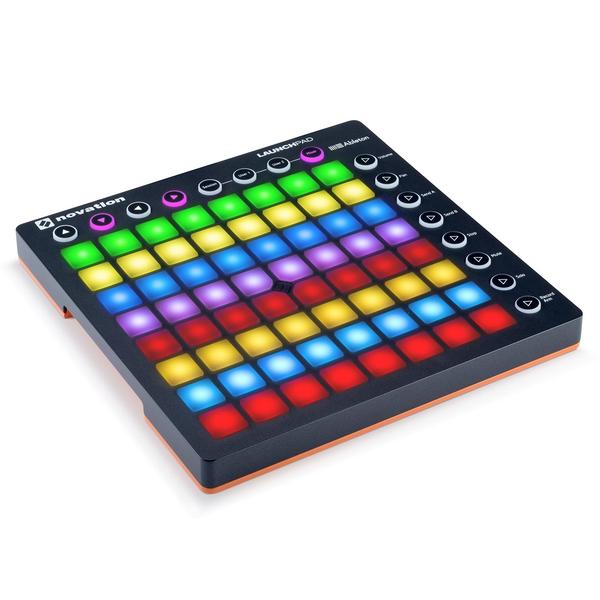 DJ контроллер NovationDJ контроллер<br>DJ-контроллер для работы с Ableton Live. Основные элементы управления – 64 пэда, которые можно назначить на запуск клипов, воспроизведение драм-партий и тому подобное. Есть 8 переназначаемых системных и 8 управляющих кнопок. В комплекте поставляется полнофункциональная версия DAW Ableton Live Lite, 1 ГБ луп-сэмплов LoopMasters, а также виртуальные синтезаторы Novation Bass Station и V Station.<br>
