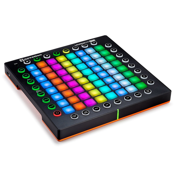 DJ контроллер Novation
