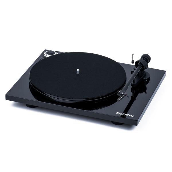 Виниловый проигрыватель Pro-Ject Essential III Piano Black (OM-10) акустика центрального канала paradigm studio cc 490 v 5 piano black