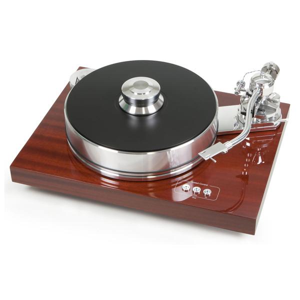Виниловый проигрыватель Pro-JectВиниловый проигрыватель<br>Бескомпромиссный виниловый проигрыватель класса High End, пассиковый привод, массивное основание и опорный диск с магнитной подвеской, опорный диск 10,4 кг, тонарм 10 , электронное переключение скоростей, габариты (ШхВхГ) 475x195x354 мм, вес 23 кг.<br>