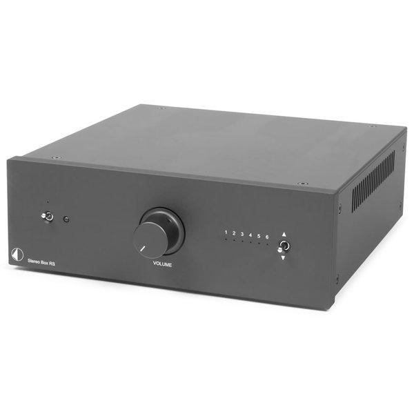Стереоусилитель Pro-JectСтереоусилитель<br>Компактный интегральный усилитель входными каскадами на лампах ECC88,  мощность 2 х 80 Вт (8 Ом), класс усиления АВ, частотный диапазон 20 Гц – 20 кГц, входы: 5 RCA, XLR, габариты 206 х 72 х 200 мм, вес 6,7 кг.<br>