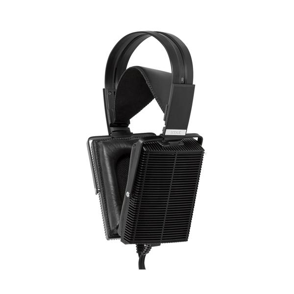 Охватывающие наушники StaxОхватывающие наушники<br>Электростатические наушники, открытого типа, длина провода 2,5 м, чувствительность 100 дБ, частотный диапазон 7 Гц – 47 кГц, вес 0,533 кг.<br>