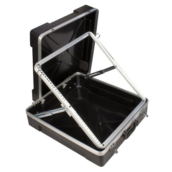 Аксессуар для концертного оборудования UltimateАксессуар для концертного оборудования<br>Портативная рэковая стойка для студийного оборудования высотой 12U. Установка допускается под углом в 10 возможных позициях, а основные элементы легко упаковываются в прочный кейс.<br>